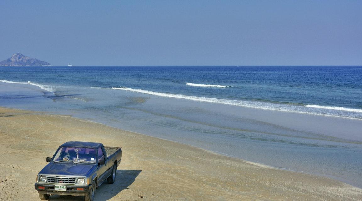 Frias för bilkörning på stranden